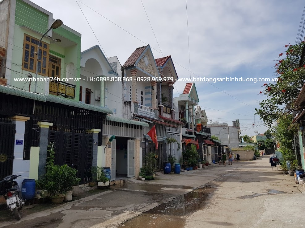 Khu dân cư đông đúc an ninh tốt cách ủy ban phường tân đông hiệp 2km