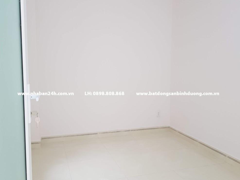 Phòng ngủ nhà bán dĩ an bình dương được xây dụng rộng rãi