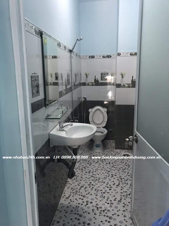 Phòng tắm nhà bán bình dương