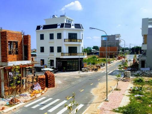 Khu dân cư đang được xây dựng rất nhanh và đồng bộ