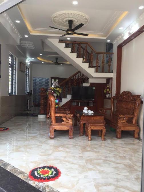 Phòng khách nội thất cao cấp để lại toàn bộ nội thất