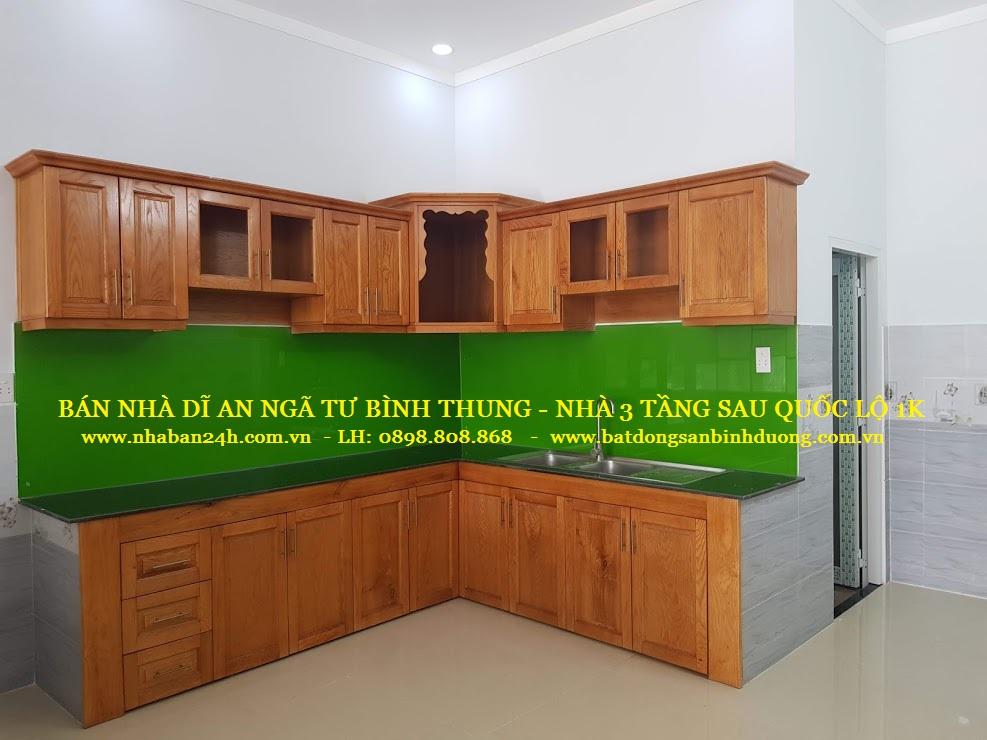 Phòng bếp nhà bán dĩ an đầy đủ nội thất cao cấp