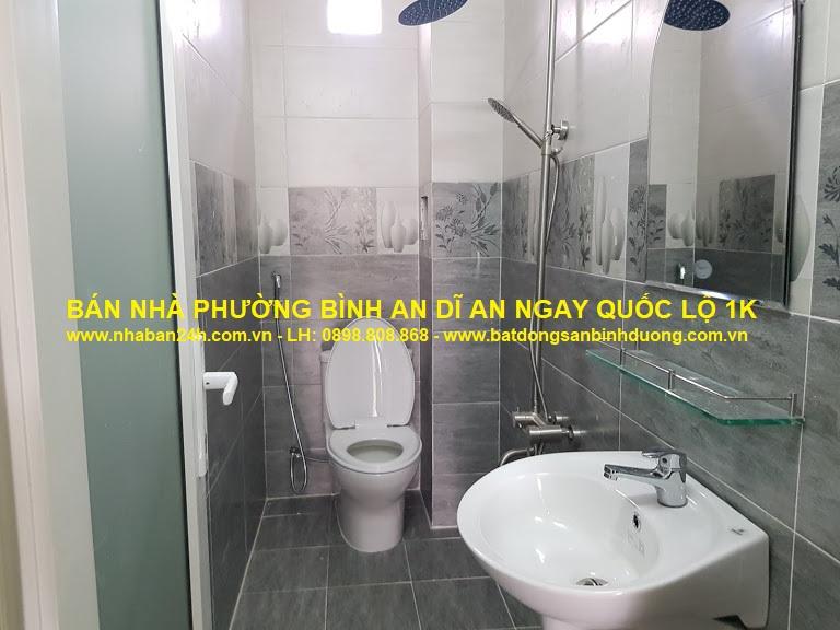 Nhà vệ sinh bồn cầu nguyên khối, nội thất cao cấp
