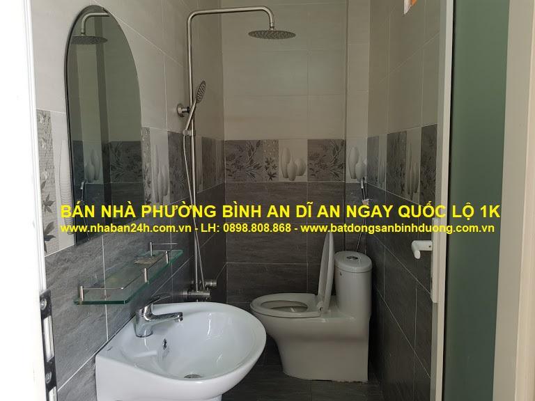Phòng tắm rộng rãi thoáng mát đầy đủ nội thất