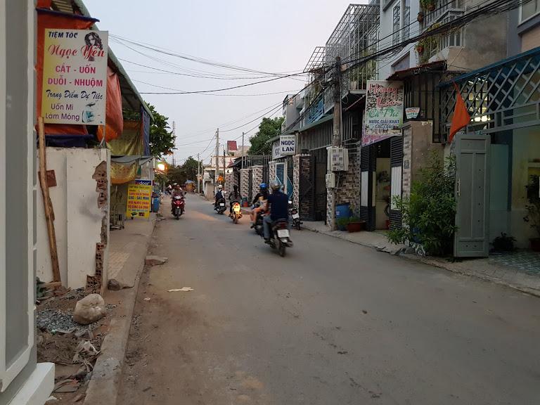Bán nhà phố 3 tầng Dĩ An, Nhà gần ngay chợ Xóm Mới Sóng Thần
