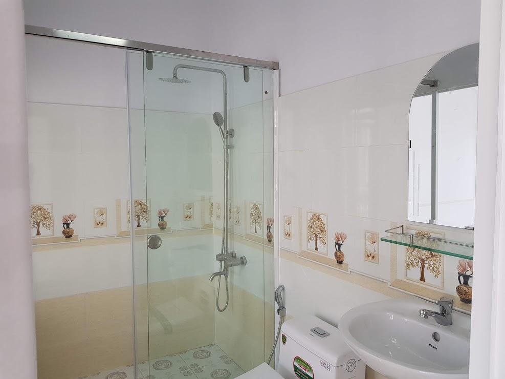 Phòng wc đầy đủ nội thất cao cấp 2019