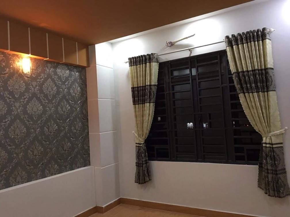 Phòng ngủ trang trí hài hòa bắt mắt