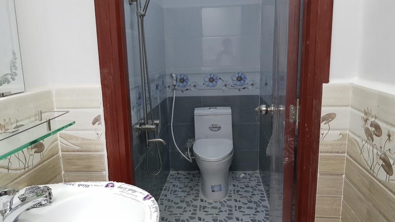 Phòng tắm nội thất cao cấp đầy đủ