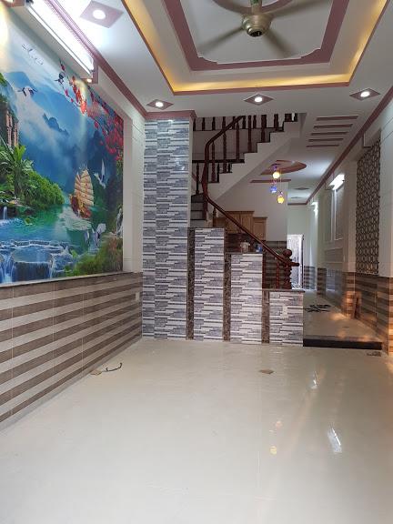 Phòng khách rộng rãi thoáng mát diện tích nhà 4x27m