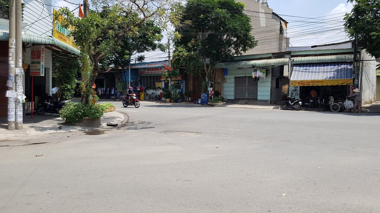Khu vực dân cư đông đường rộng rãi kinh doanh vạn ngành nghề