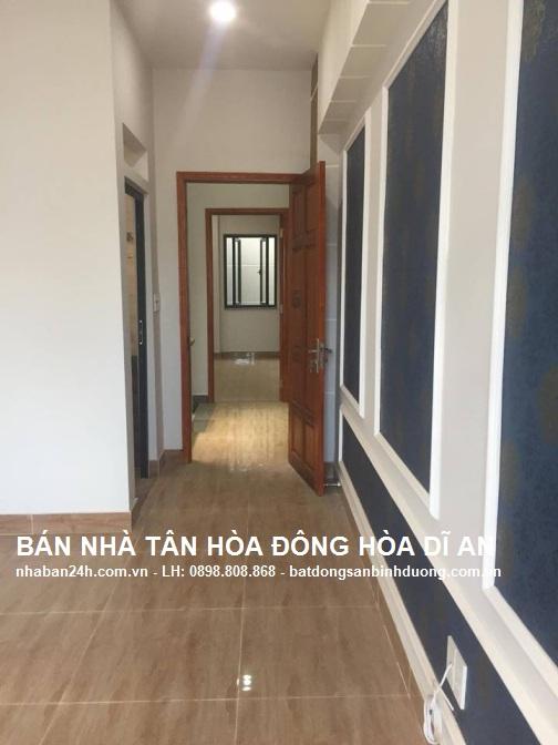 Khu vực hành lang được thiết kế rộng rãi khi di chuyển đồ trong nhà