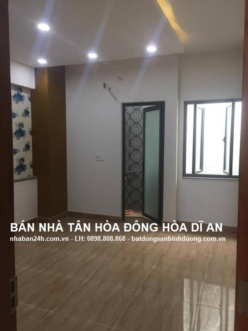 Phòng ngủ nhà dĩ an rộng rãi thoáng mát
