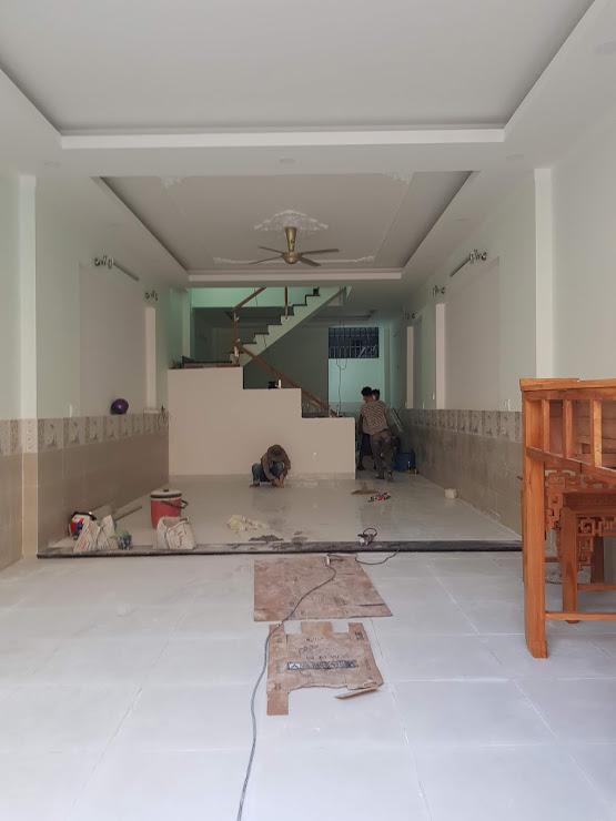Phòng khách nhà bán dĩ an đang vào hoàn thiện