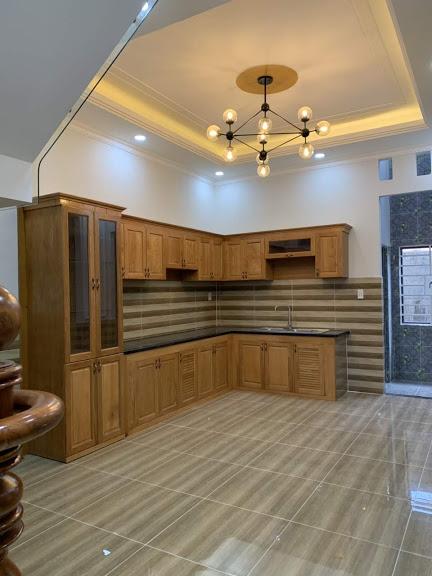 Nhà có nội thất gỗ cao cấp