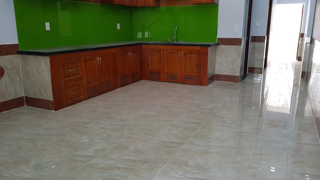 Khu vực kê bàn ăn rộng rĩa trong phòng bếp