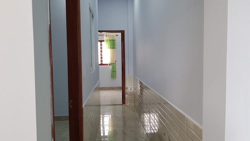 Hành lang trên lầu thiết kế rộng rãi