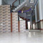 Phòng khách nhà bán đông hòa dĩ an 4 x 28m