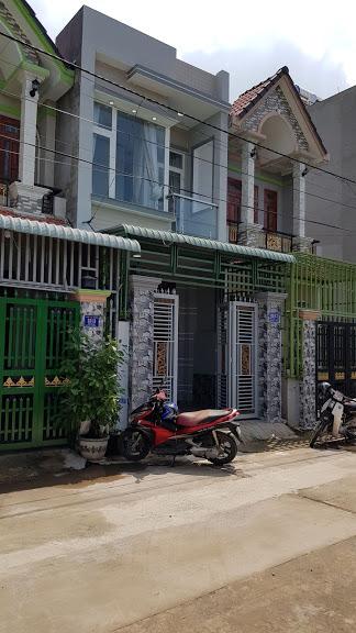 Mặt tiền căn nhà bán gần nhà thờ dĩ an