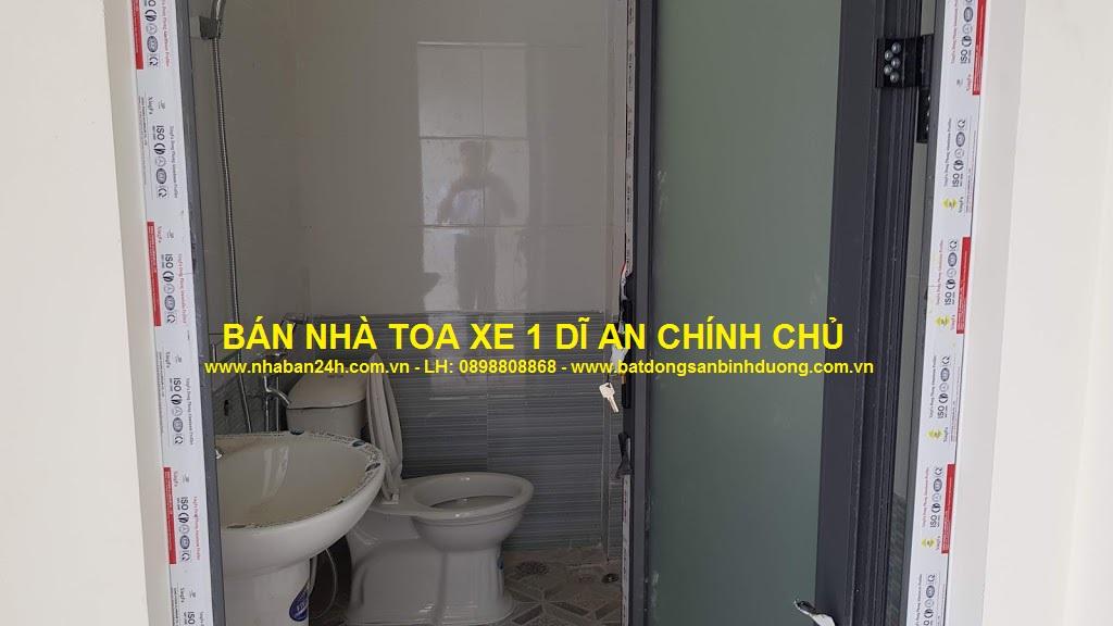 Phòng tắm nhà bán toa xe dĩ an