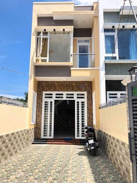 Bán nhà ngã tư Bình Thung Dĩ An 4x24m , 1 trệt, 1 lầu 3 phòng ngủ